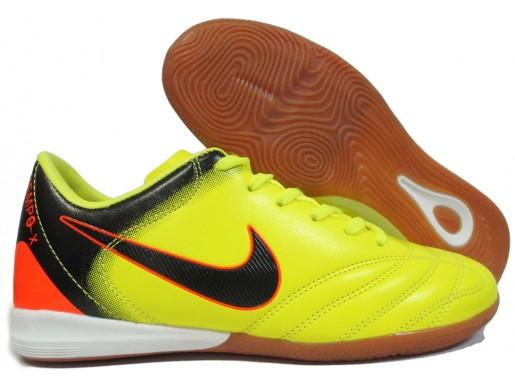 Футзалки Nike Tiempo Club IC